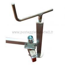Ponteggio in alluminio Argo con base 3 campate particolare ruota e livellatore